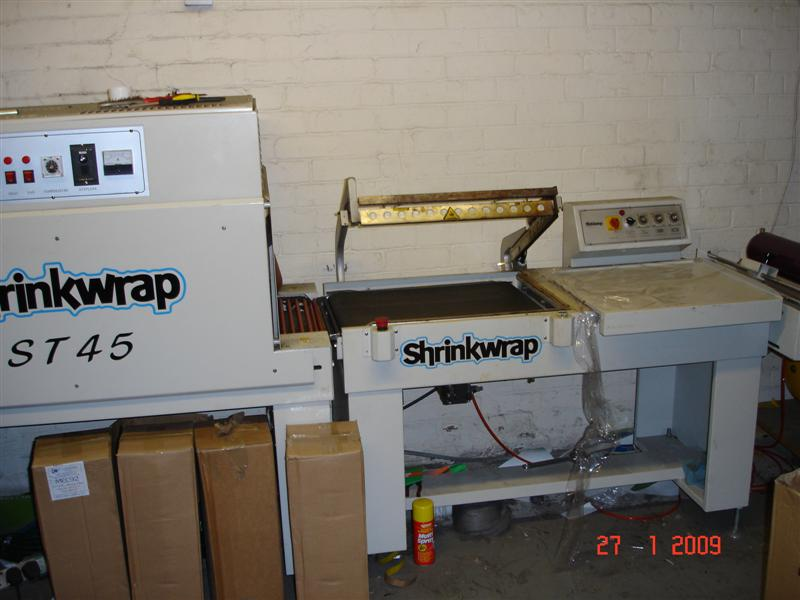 L Sealer and Shrink Tunnel Wrapper Image